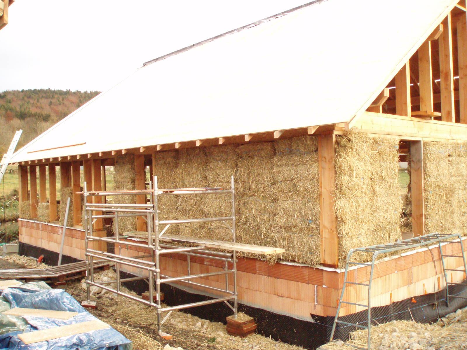 La maison en paille fr quence terre info environnement for Maisons en paille